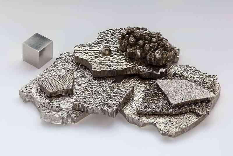 Cobalto, il vero colore del metallo simile all'argento