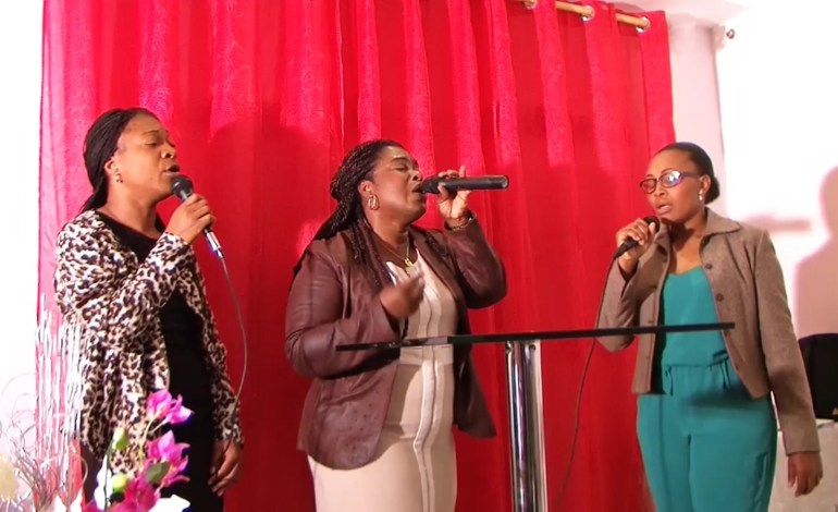 Louange & adoration, église Mission Restauration