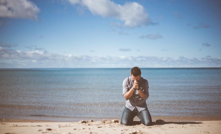 Prier avec l'aide du Saint-Esprit