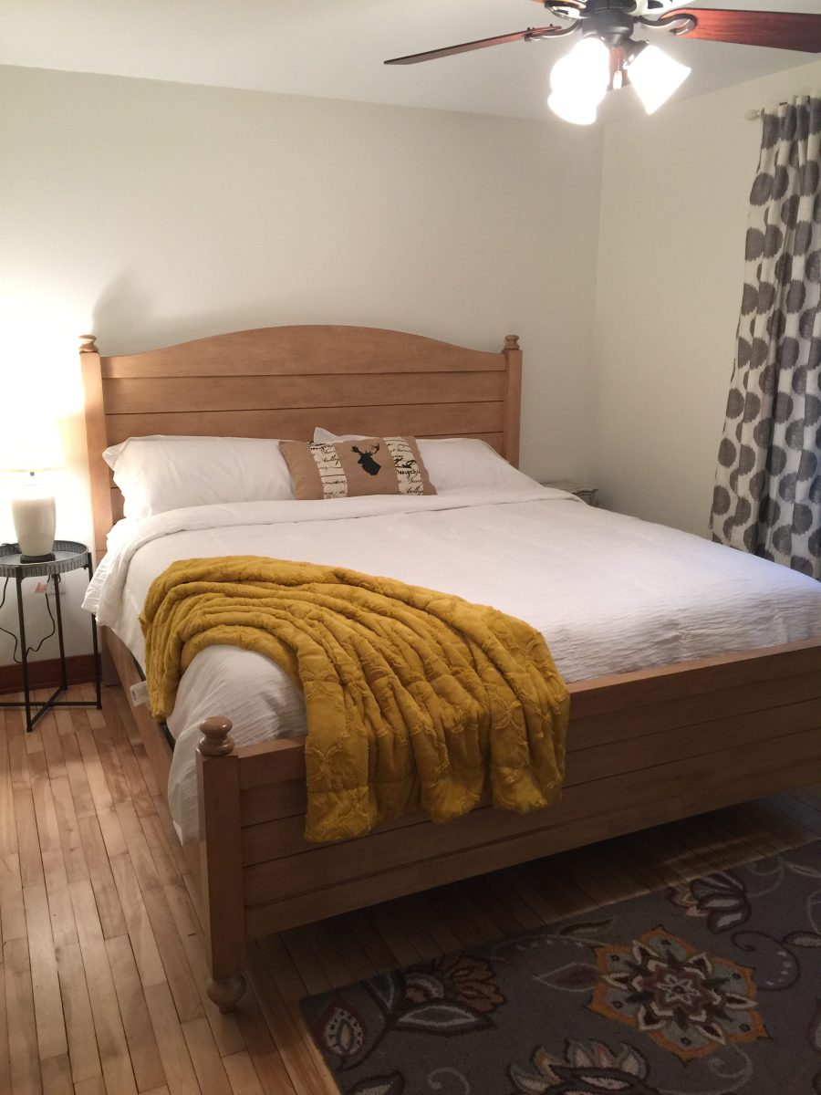 lake house king bed