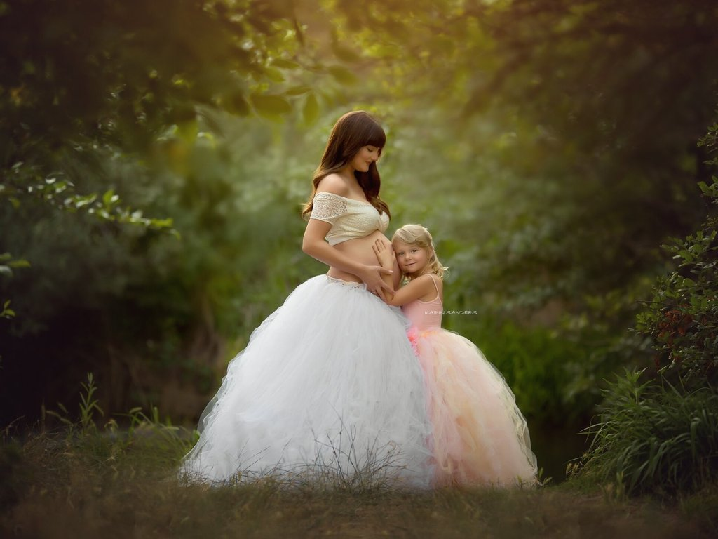 Maternity gown photography, maternity gown for photoshoot, baby shower dresses