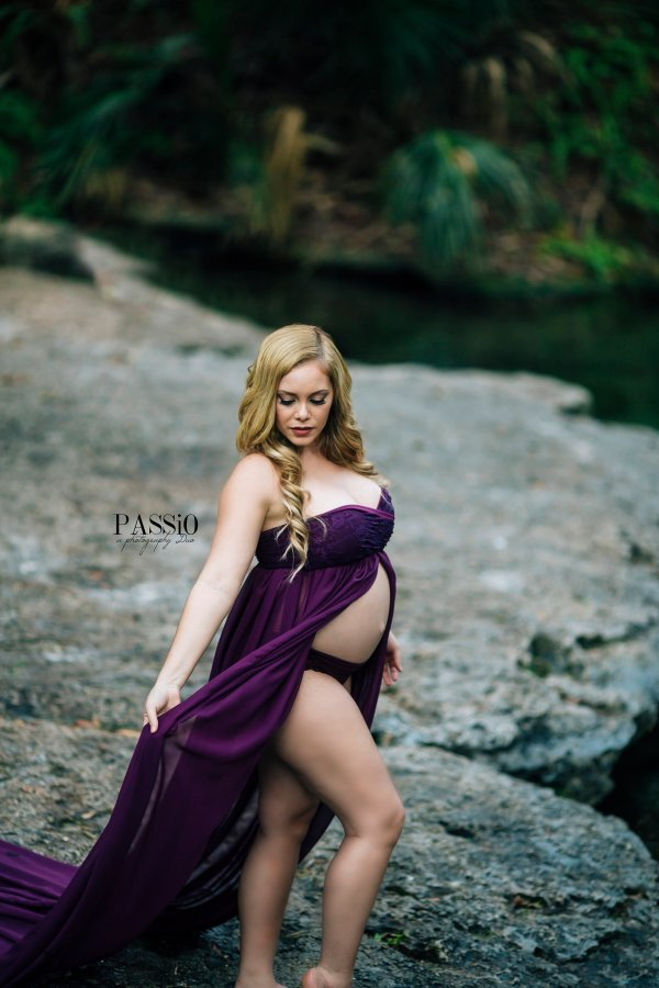 open belly maternity dress, extra long maternity dress, flowy dress for photoshoot, Chiffon maternity gown, tossing train, sweetheart neckline, open belly chiffon gown