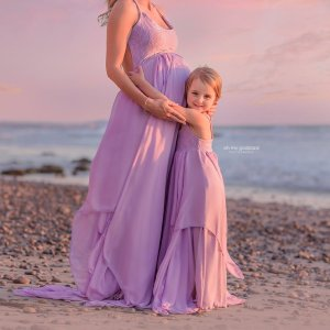 Layered chiffon maternity dress photography, backless maternity gown photo shoot