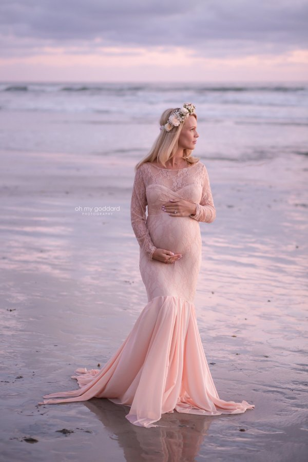 fitted lace maternity dress, baby shower dress, Maternity gown photoshoot, photography, baby shower dresses, lace, drop back, long sleeve, maternity photo shoot