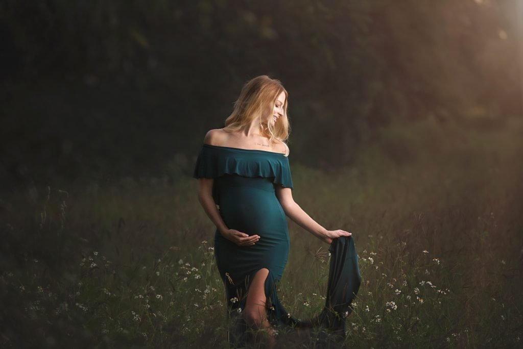 maternity dresses, maxi maternity gown, maternity gown photography, maternity dress for photoshoot