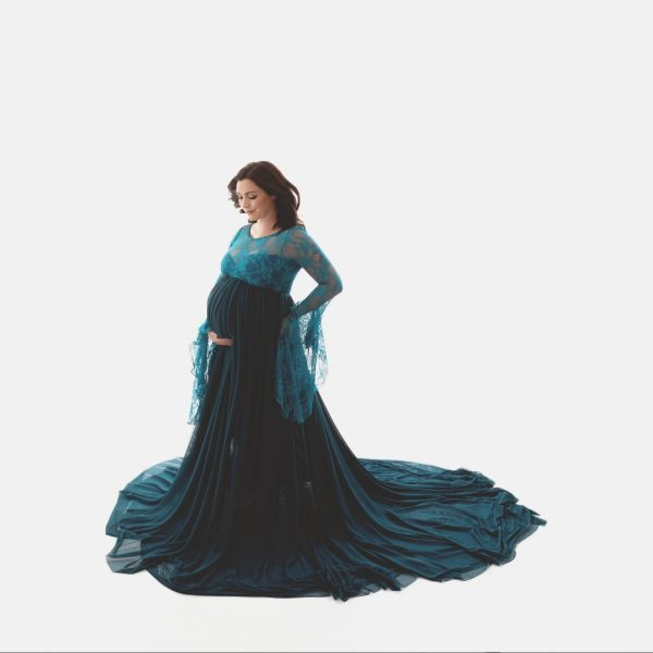 tulle maternity gown, bell sleeves, renaissance sleeves, lace, studio maternity photoshoot, photography, baby shower dress