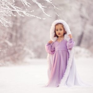 fur cape, girls fur cape, winter maternity shoot