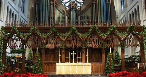 Christmas-Altar-Flowers-1