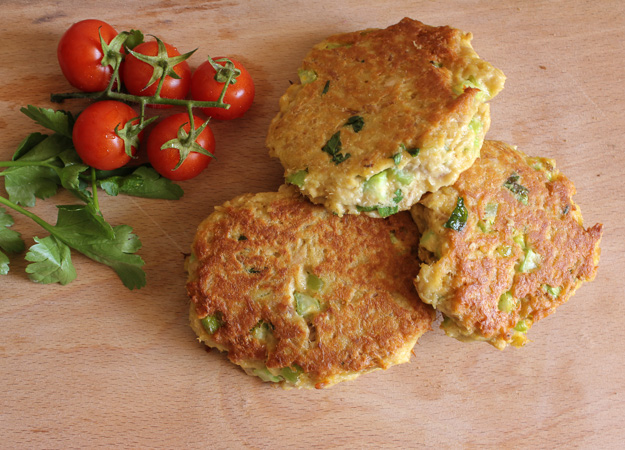 tuna burgers with tomatoes recipe
