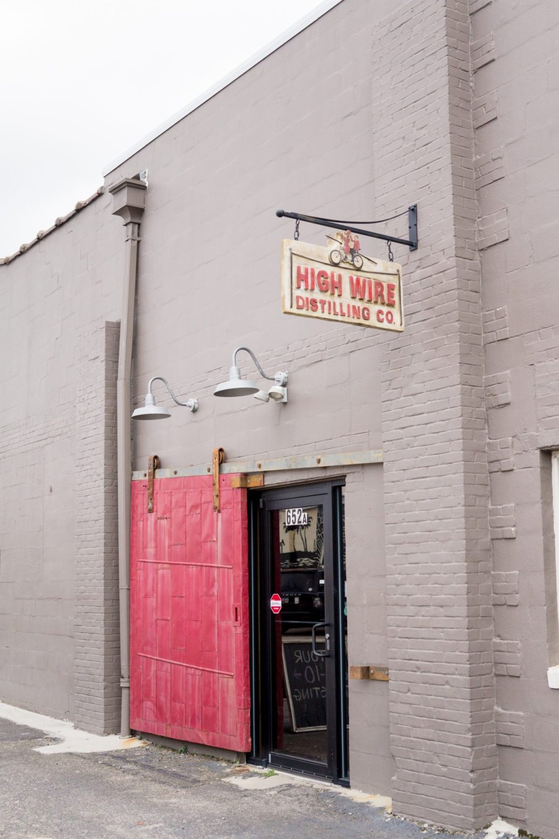 A Distillery Tour in Charleston, SC // Miss Molly Moon