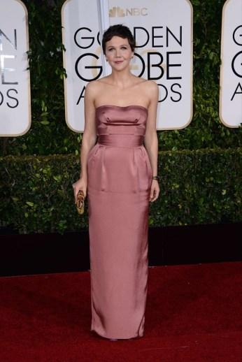Maggie-Gyllenhaal_-2015-Golden-Globe-Awards--02-662x998