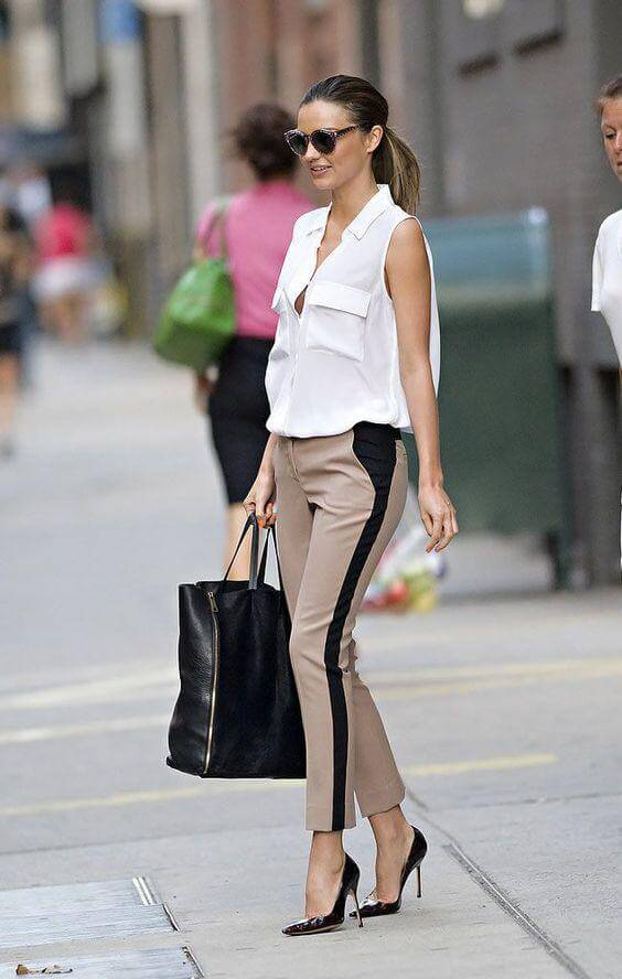 Sleeveless Blouse with Capri Pants