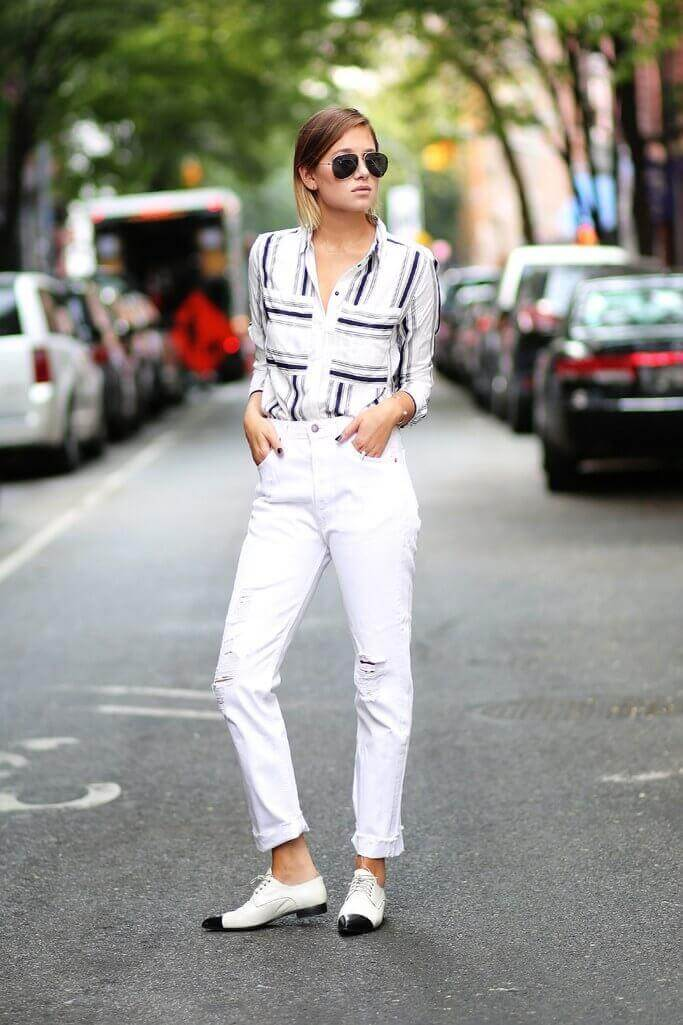 High Waisted White Jeans in Flared Style