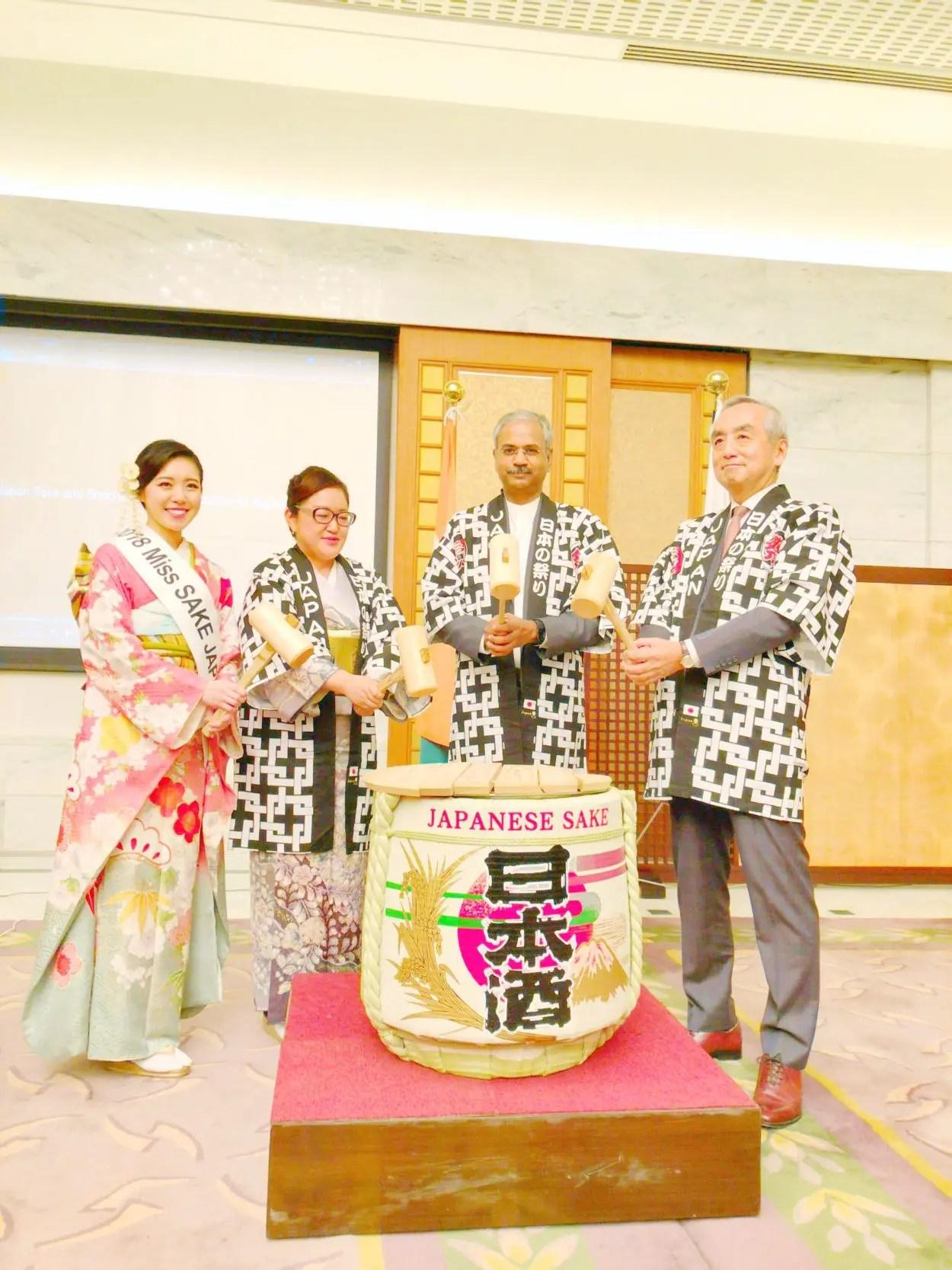 在インド日本大使館大使公邸にて開催された日本酒PRイベントに ...