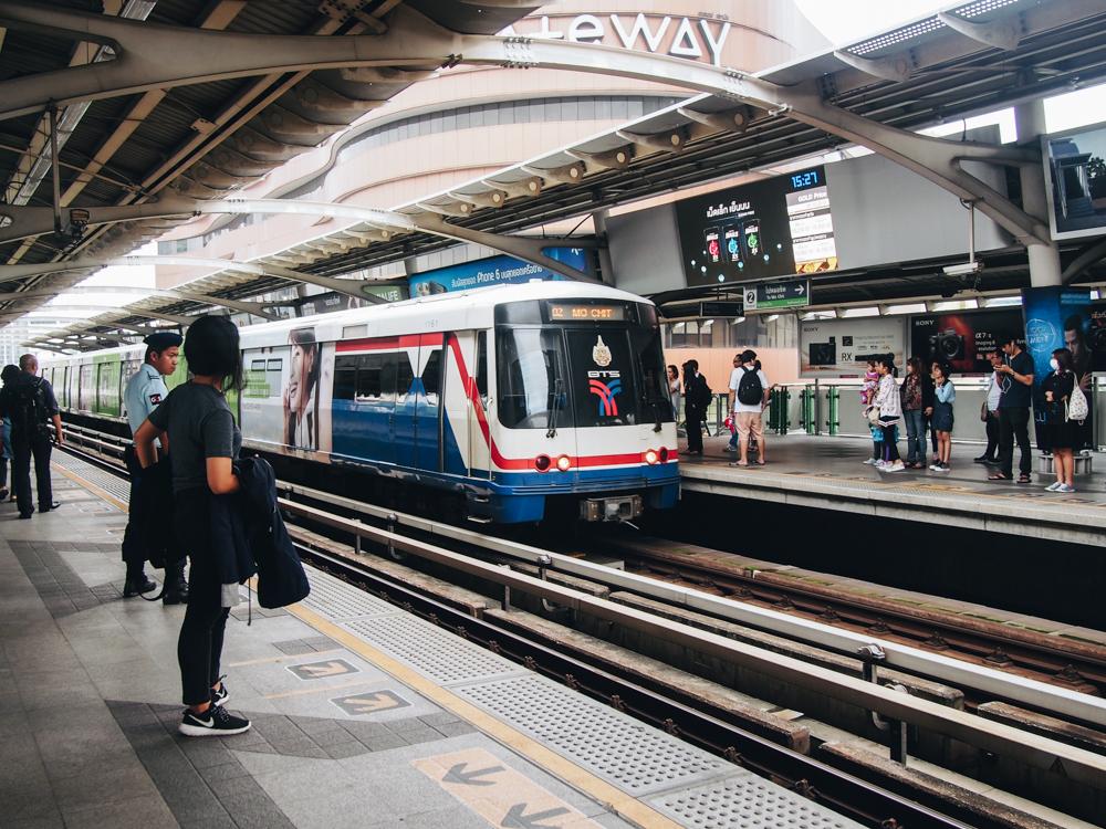 Sky Train v Bangkoku