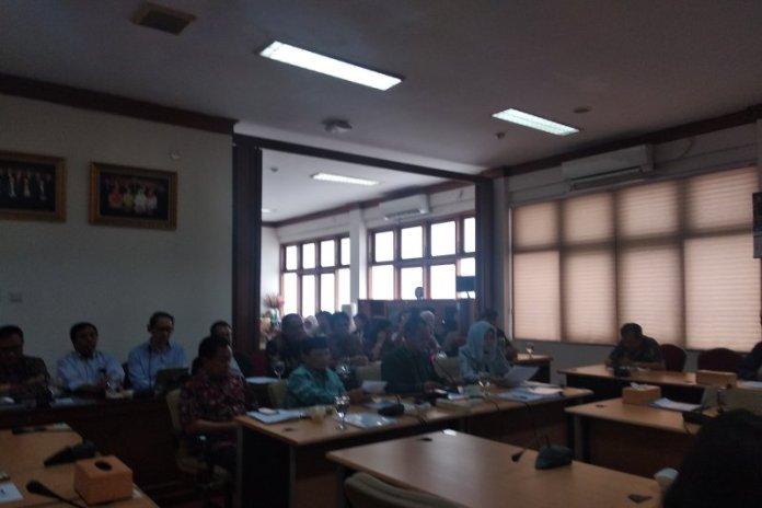 Konferensi pers penghapusan POS USBN oleh Badan Standar Nasional Pendidikan di Jakarta, Selasa. (Indriani)