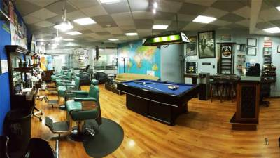 Edificio Atlantis Mister Barber Shops