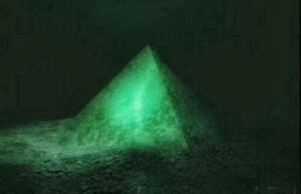 La piramidi nelle Azzorre. Atlantide?