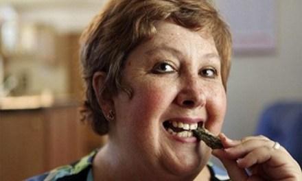 Teresa Widener, la donna che mangia le pietre