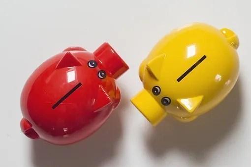 2 piggy banks