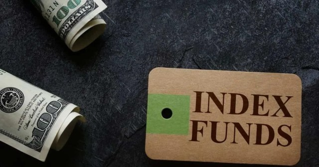 Best S&P 500 Index funds- cash on table with index funds tag