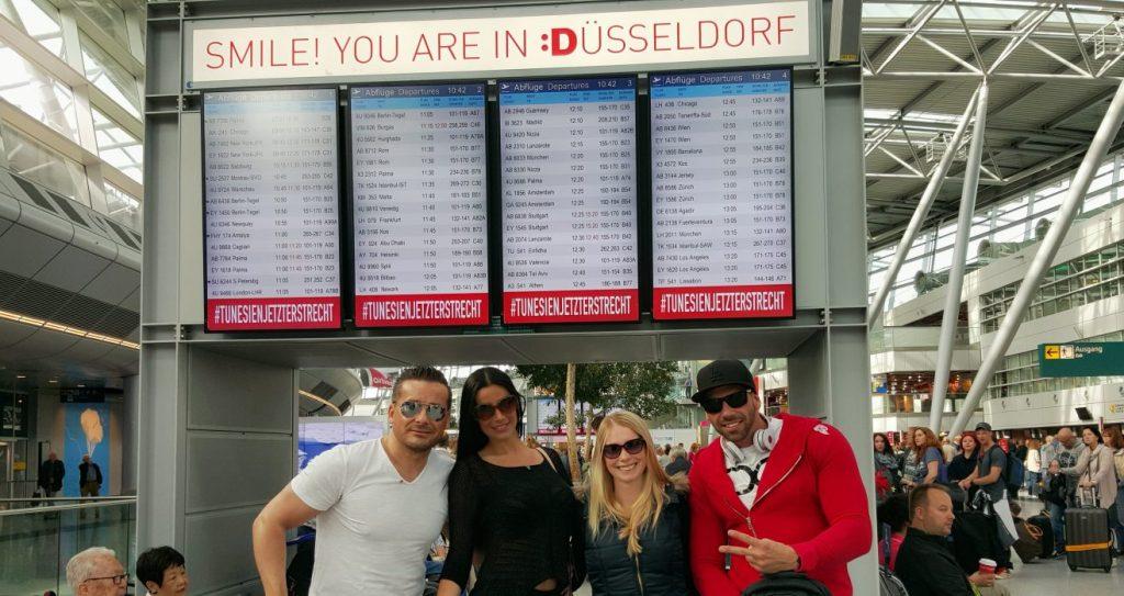 Am 23.05. ging der dreiwöchige Trip in Düsseldorf los..... Mit der Lufthansa, LH 436, flogen wir um 12:45 Uhr am Gate A89, nach Chicago.