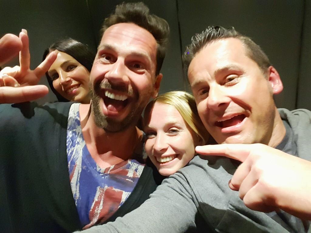 Sowas passiert im Aufzug!! Crazy waren wir irgendwie alle. :)