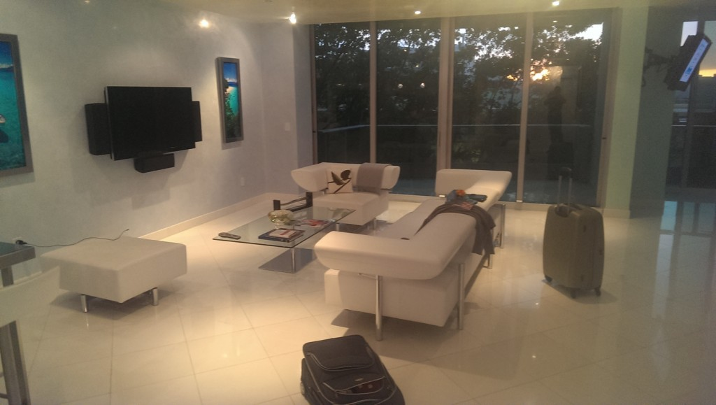 miami-beach-apartment-1