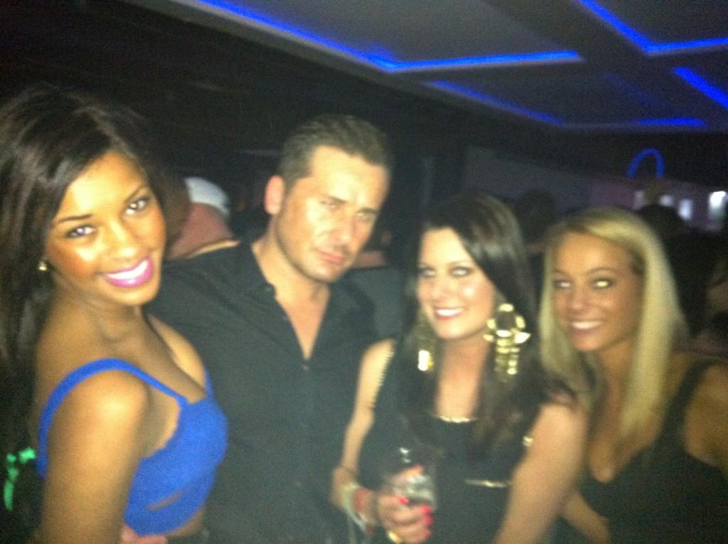 partygirls-2