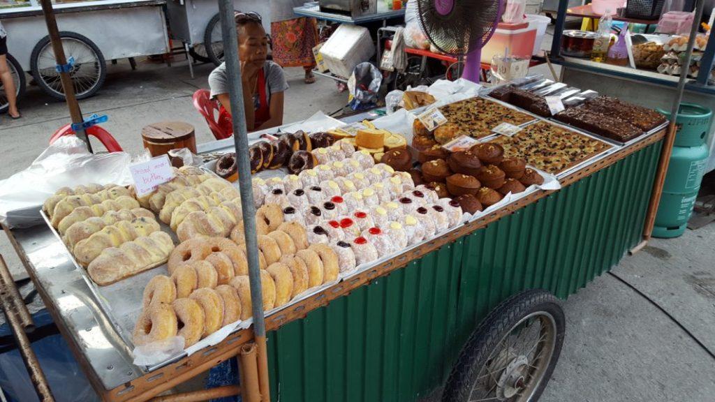 Neben dem Herzhaften lieben die Thais auch Süßes über alles.