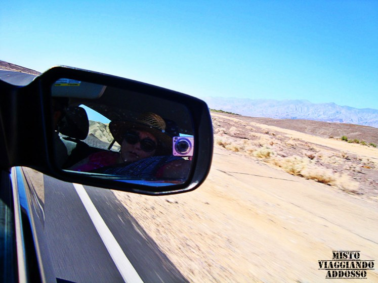 death-valley-diario-di-viaggio-west-coast-usa-strada-specchietto