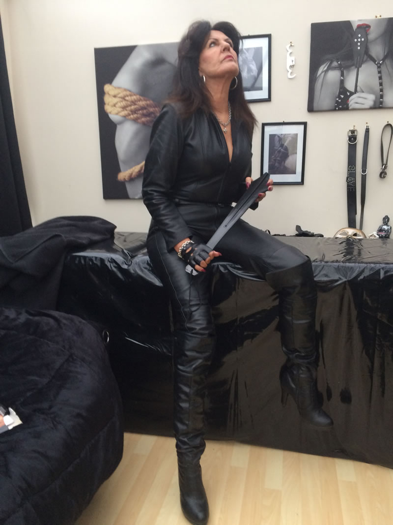 Gallery 3 Swindon Mistress Sofia