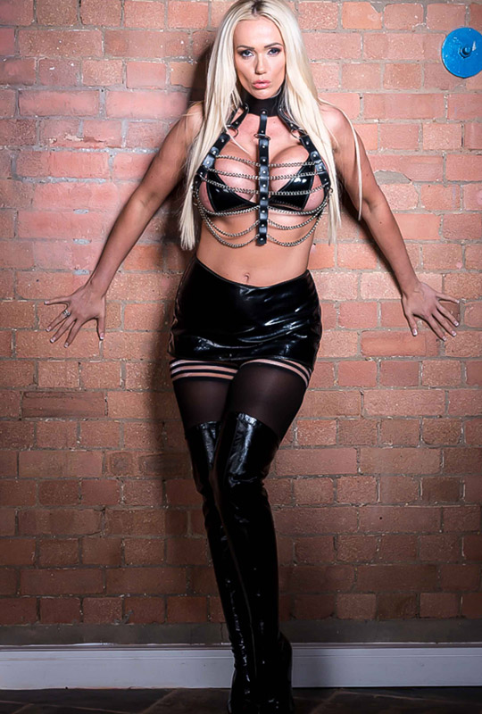 Mistress Lucy Zara  Picture Gallery