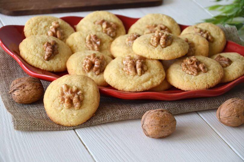 Biscotti alle noci  Ricetta Biscotti alle noci di Misya