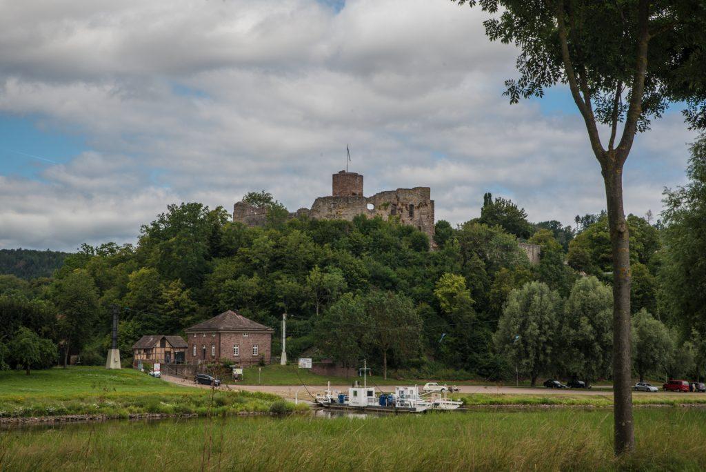 Burg Polle am Weserradweg