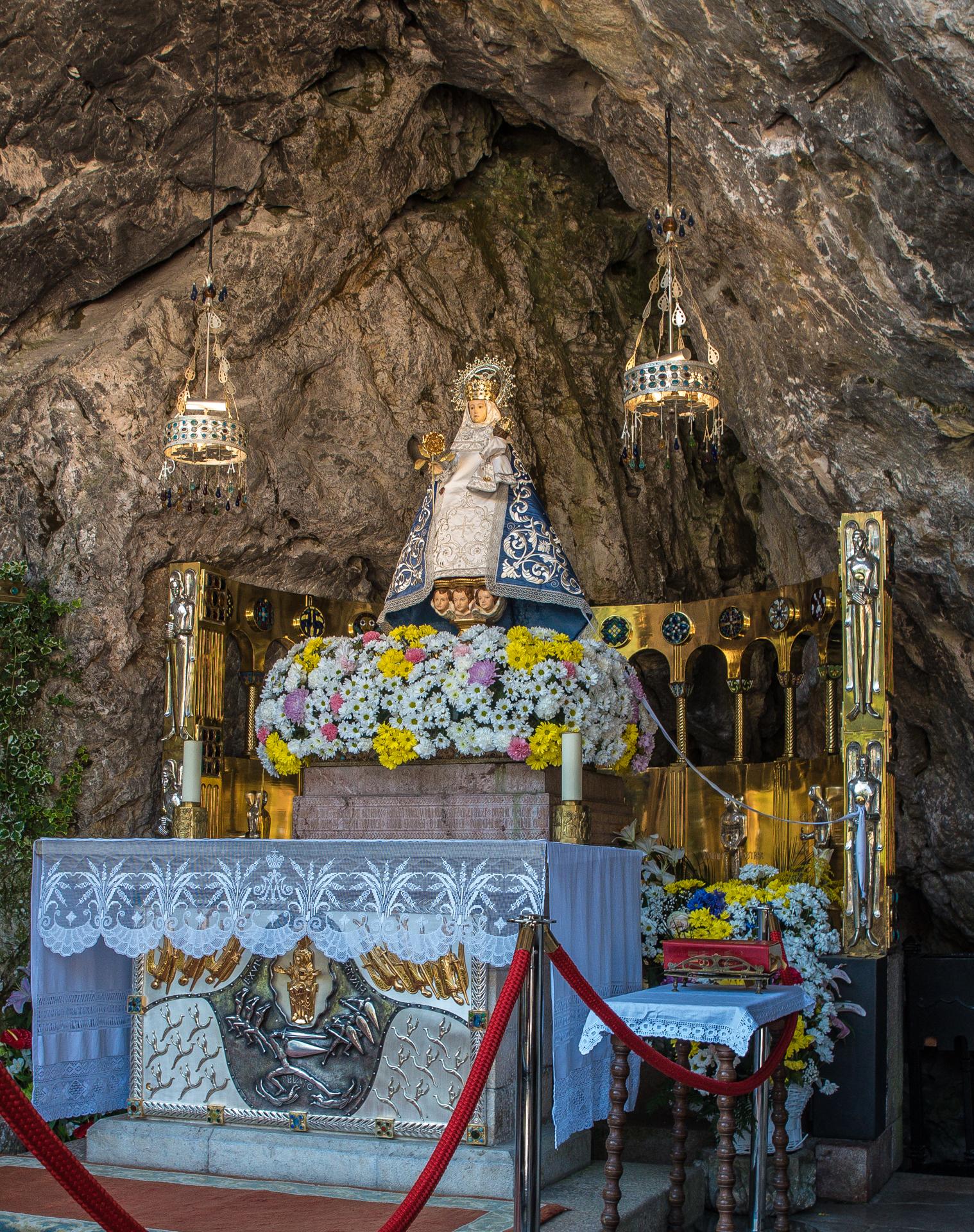 Altar des heiligen Grotte - Covadonga