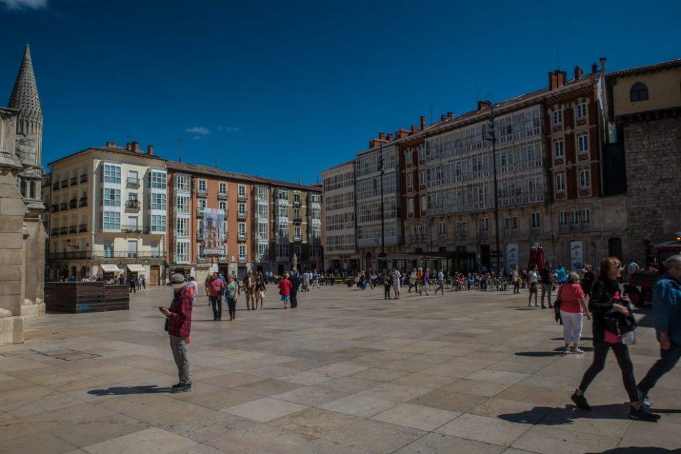 Plaza del Rey Fernando Burgos