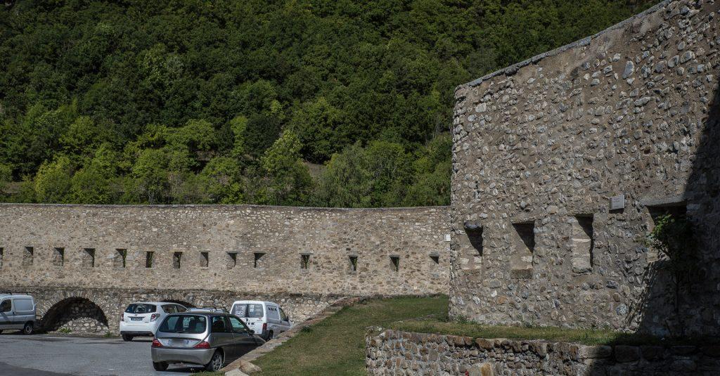 Stadtmauer am Place du Barri - Villars-Colmar