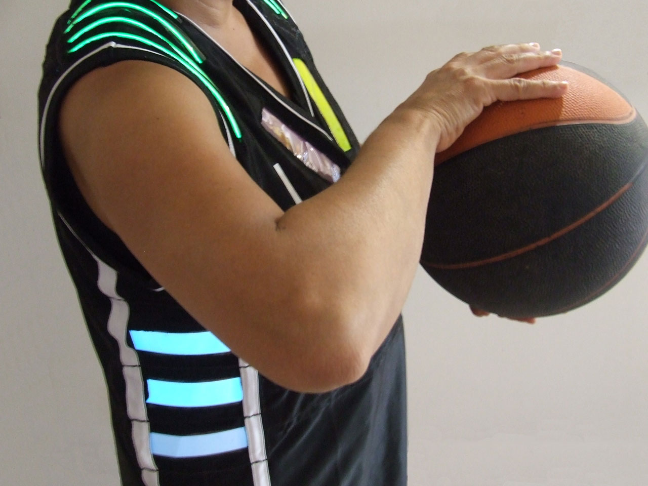 University of Sydney shows off wearable stats on a basketball jersey