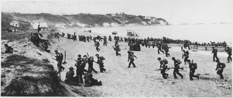 U.S. Army landing, Operation Torch, near Algiers, 8 November 1942 (photo: U.S. Army)