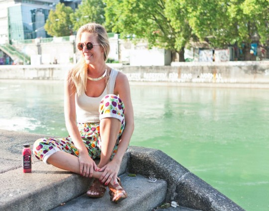 Innocent_Super_Smoothie_Donaukanal_Wien_Fashionblogger_Credit_Elena Handl