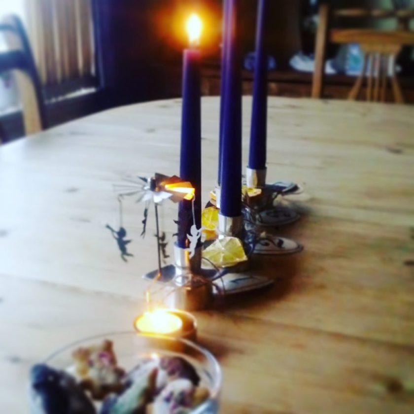 Weihnachten in Norwegen stimungsvoller Kerzenschein