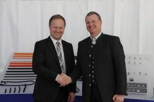 Ebersbergs Landrat Robert Niedergesäß (li.) und Schlemmer-CEO Josef Minster