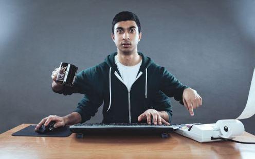 permanecer-despierto-tarde-mi-vida-freelance