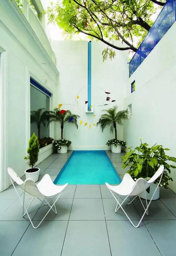 Una mini piscina en el jardn