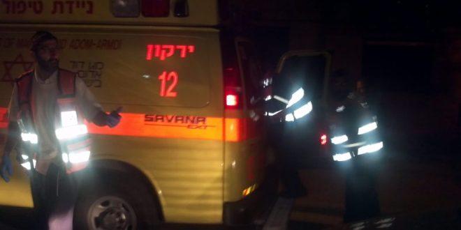 בן 34 נפגע ממשטחים שנפלו במפעל סמוך לראש העין, מצבו קשה