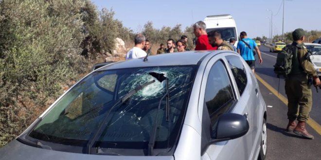 """קצין צה""""ל בן 23 נפצע בינוני מיידוי אבנים סמוך לעזון שבשומרון"""