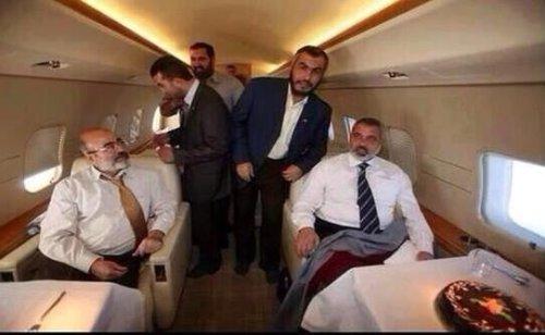 E2kJdGiUUAIITv6-500x308 בזמן שעזה הופצצה, מנהיג חמאס התפנק במלון 5 כוכבים בקטאר