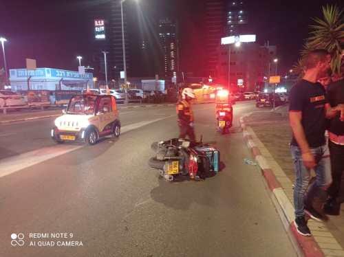 WhatsApp-Image-2021-05-05-at-23.14.24-1-500x374 רוכב אופנוע כבן 25 נפגע באורח קל בתאונת דרכים בפתח תקווה