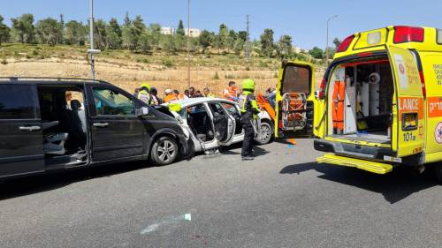 WhatsApp-Image-2021-05-06-at-14.47.05-500x281 גבר בן 60 נהרג בתאונת דרכים בכביש 1 סמוך למחלף חמד
